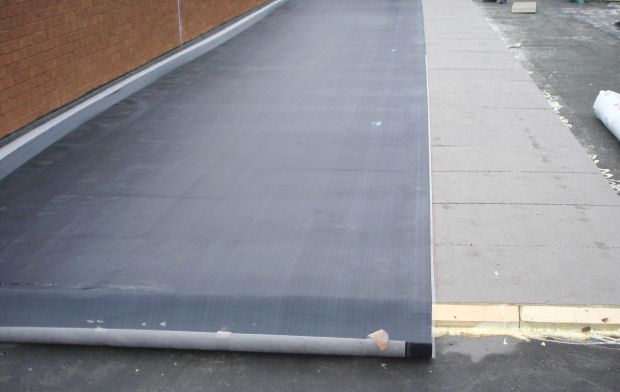 Flat Roof Installation : Commercial roofers specializing in flat roof repair new